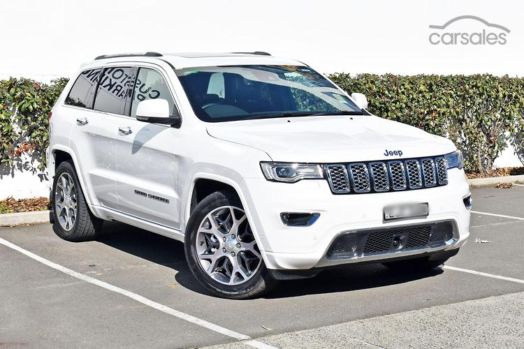 Jeep Grand Cherokee Wk2 Kumho Tires Blacked Out Off Road Roof Rack