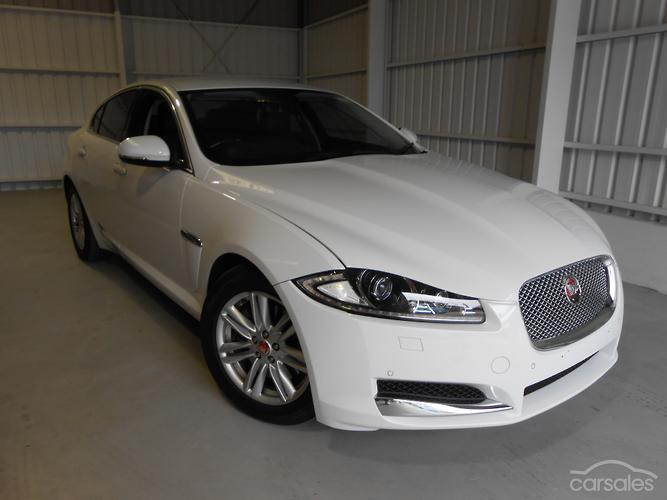 2014 Jaguar XF Luxury Auto MY14
