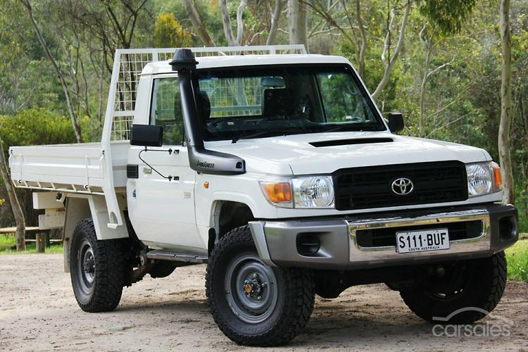 Toyota land cruiser hzj79r radio manual array new u0026 used toyota landcruiser cab chassis cars for sale in australia rh carsales fandeluxe Gallery