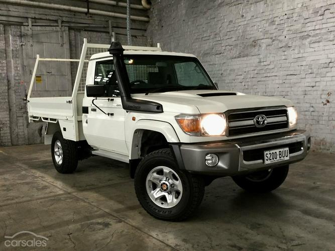 Toyota land cruiser hzj79r radio manual array new u0026 used toyota landcruiser manual cars for sale in australia rh carsales com fandeluxe Gallery