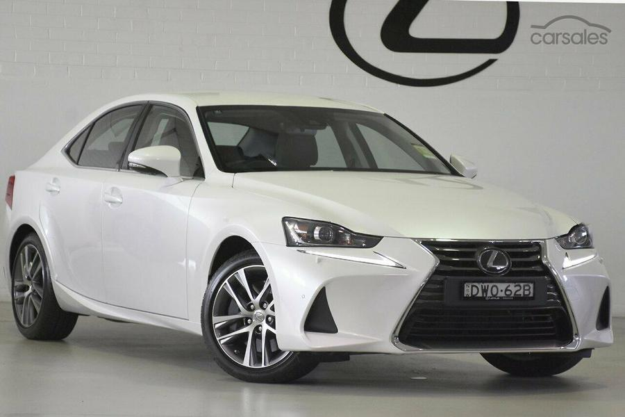 2018 lexus is300 luxury auto-oag-ad-16950658