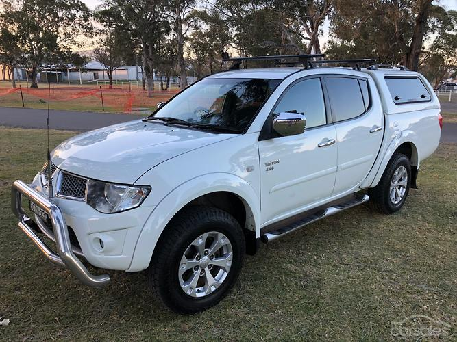 Mitsubishi triton 2012 for sale