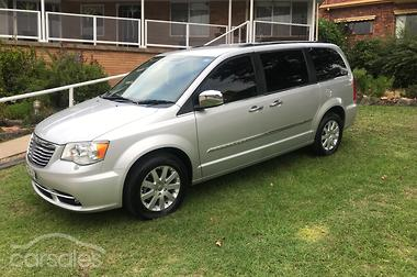chrysler grand voyager 2010 review