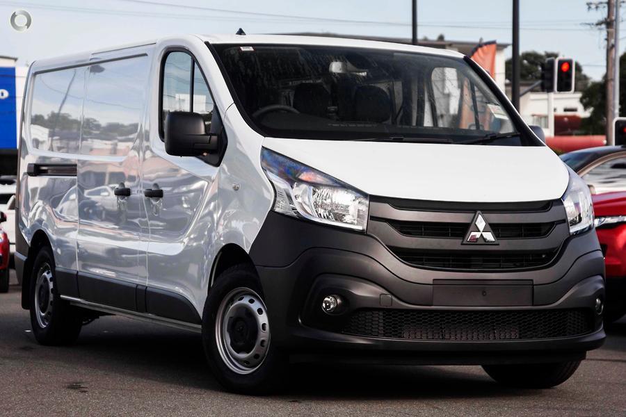 2021 Mitsubishi Express GLX SN