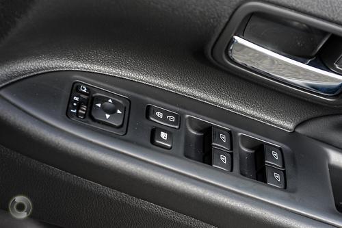 2020 Mitsubishi Outlander LS ZL