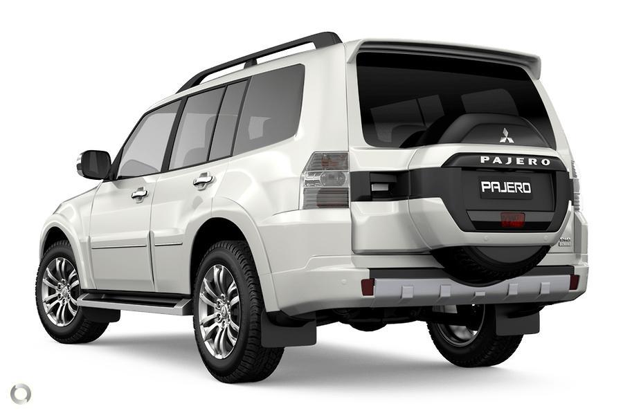 2020 Mitsubishi Pajero Exceed NX