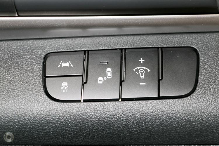 2020 Hyundai Elantra Active AD.2